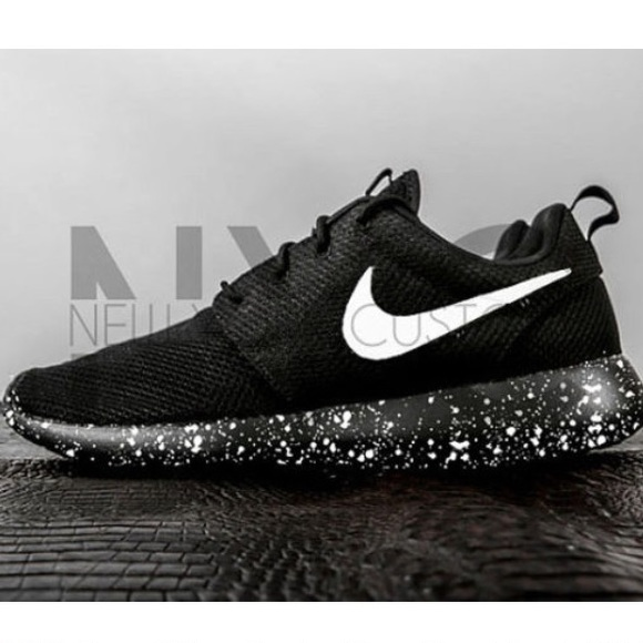 d2330deb2f1 Oreo Nike Roshe One Run Black White Splatter 9.5